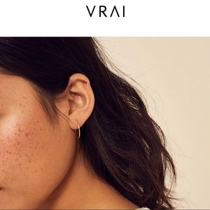 Vrai and Oro Gold Light weight hoops